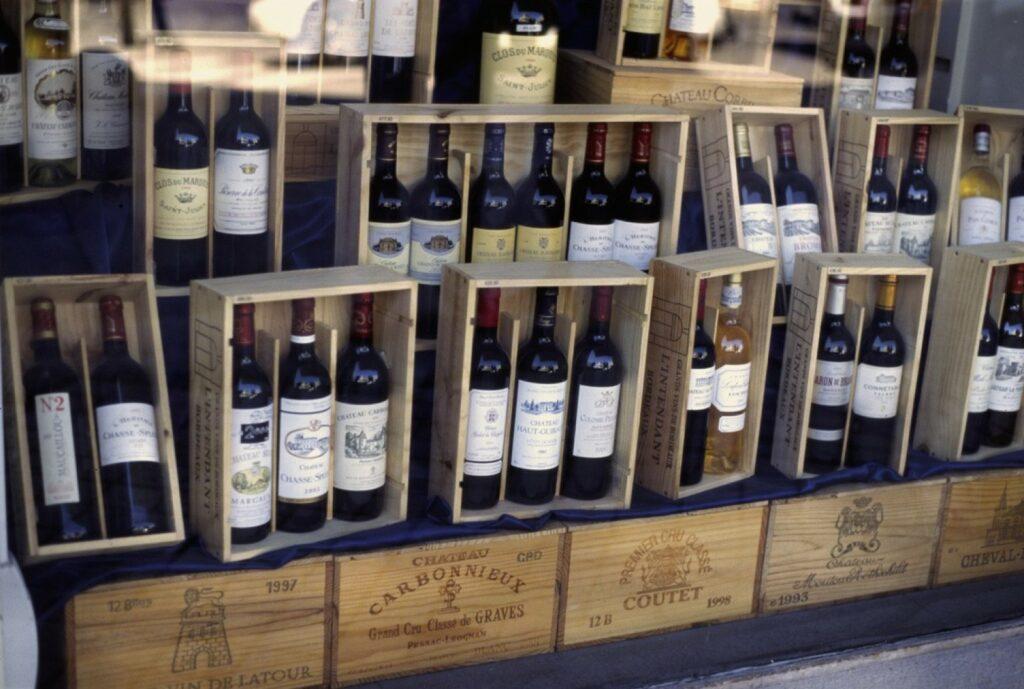 Weinflaschen in Holzkisten - Wikipedia